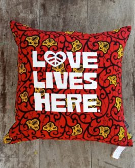 SCATTER CUSHION: LOVE LIVES HERE